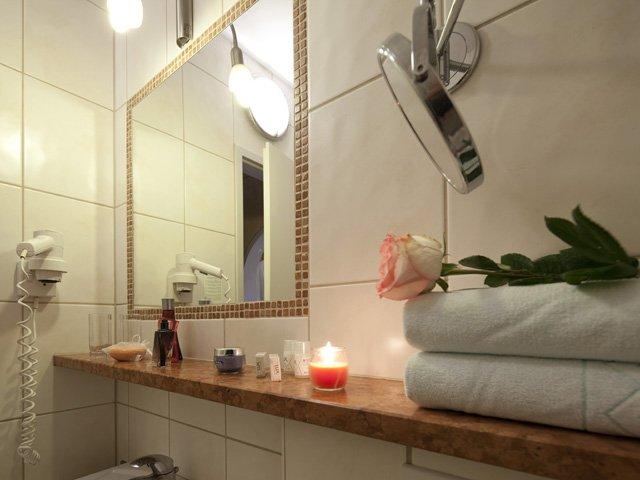 Ebbs - Hotel Oberwirt **** - badkamer