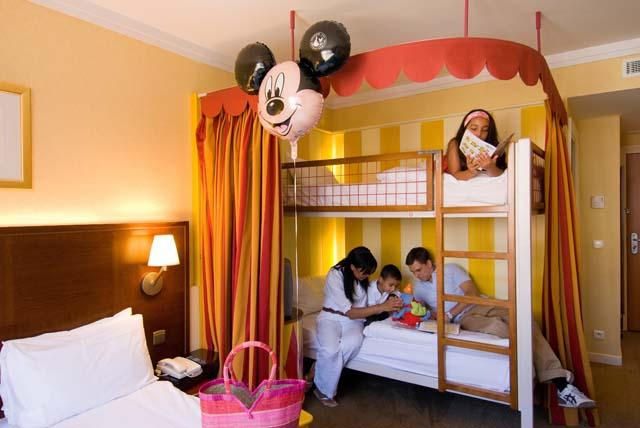 Hotel Magic Circus at Disneyland Paris   Oad nl
