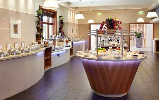 Disneyland Paris -Radisson Blu Hotel - restaurant