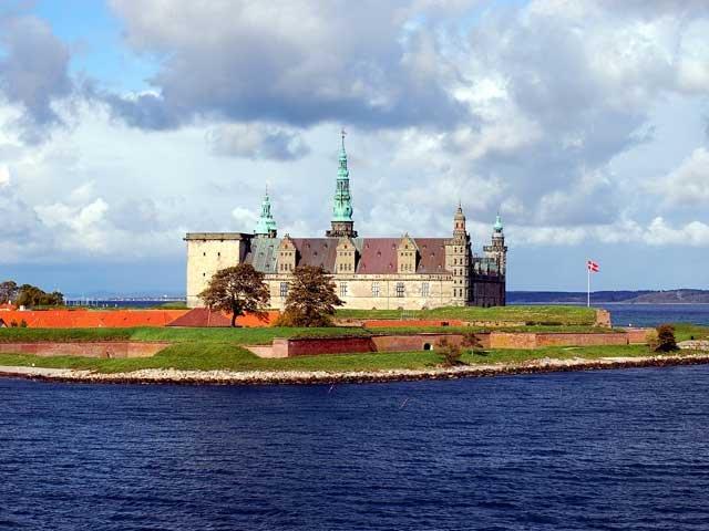 helsingor-kronborg-castle-