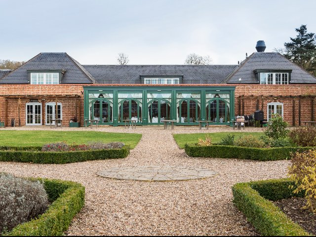 Groot-Brittannïe - Warwick-shire - Hotel Mercure Walton Hall **** - aanzicht