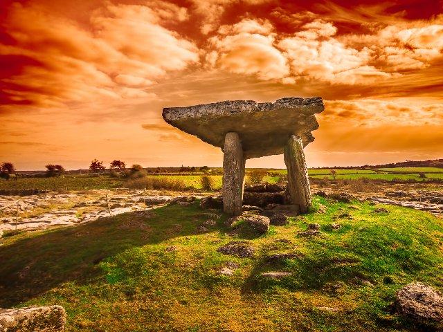 Ierland - The Burren - Poulnabrone Dolmen