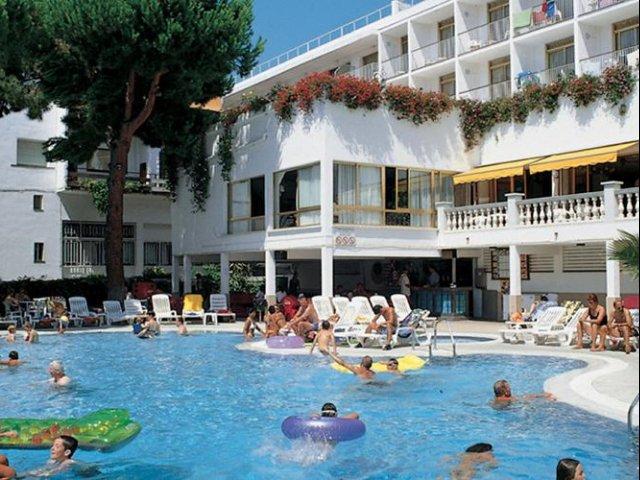 Encamp - Hotel Guillem **** - zwembad