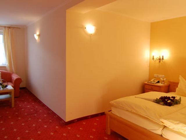 Hotel Golderner Hirsch ***