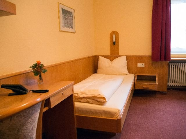 Zell im Wiesental - Hotel Löwen *** - 1-persoonskamer