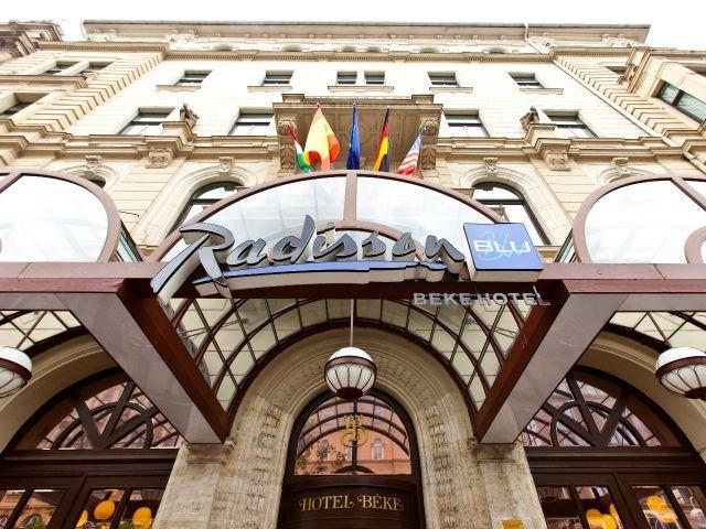 Hotel Radisson Blu Béke ****