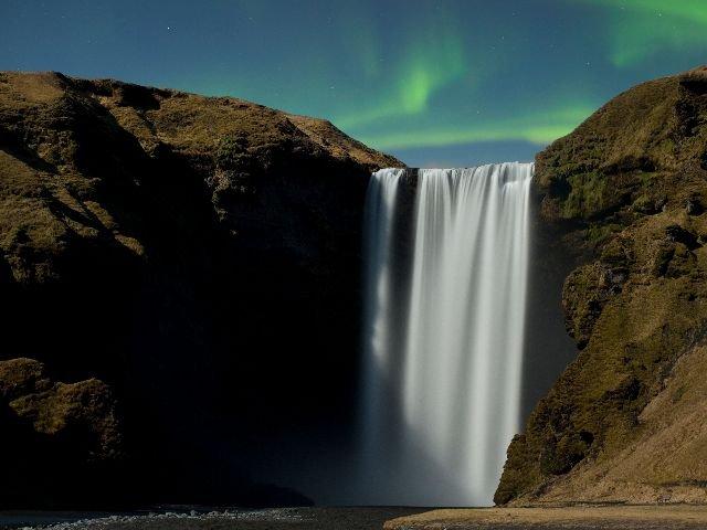 IJsland -Skogafoss Waterval