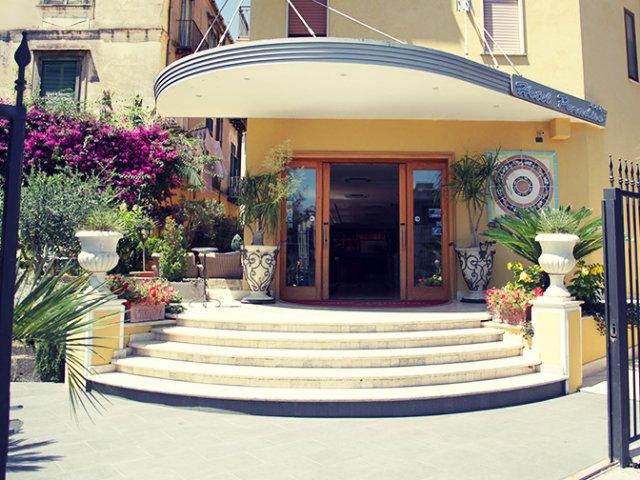 Castellamare di Stabia - Hotel Paradiso *** - hotelaanzicht