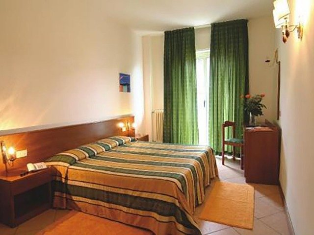 Diano Marina - Hotel Kristall *** - 2-persoonskamer