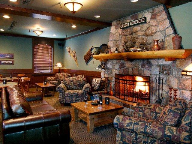 Jasper - Marmot Lodge *** - lobby