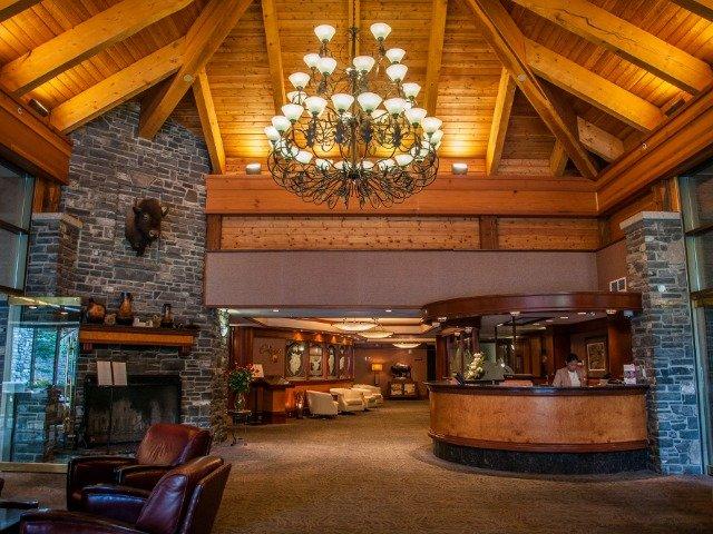 Banff - Delta Banff Royal Canadian Lodge ****  - lobby