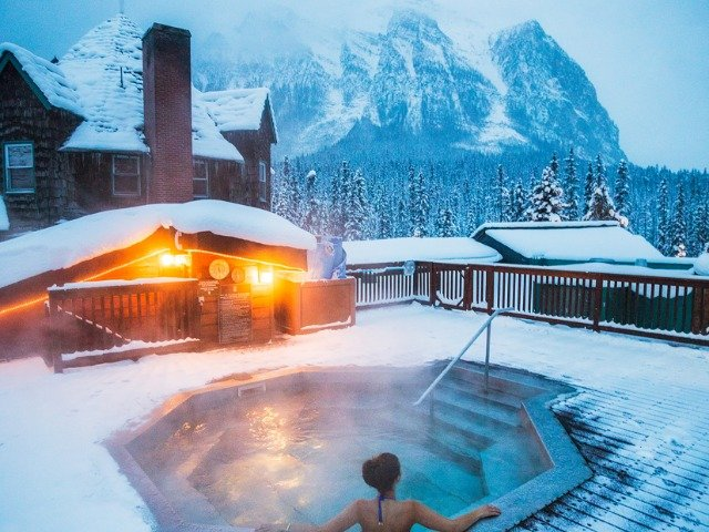 Lake Louise - Hotel Deer Lodge *** - hot tub