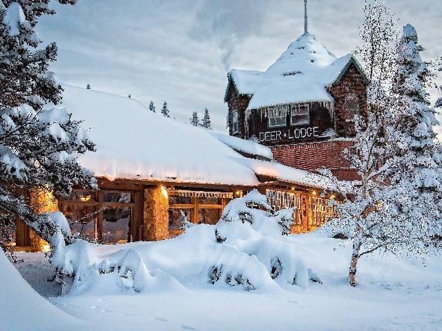 Lake Louise - Hotel Deer Lodge *** - aanzicht