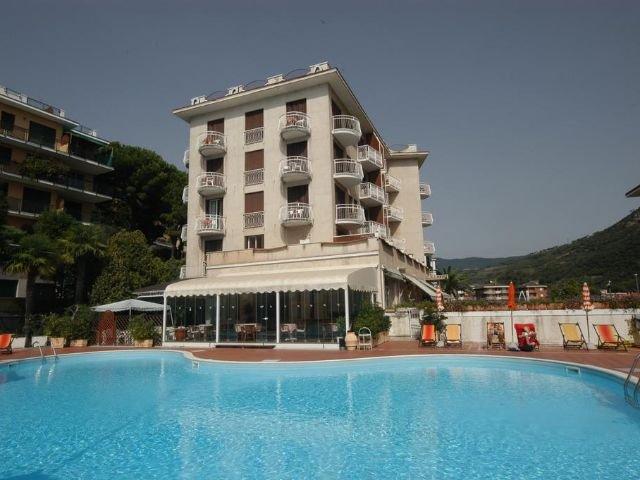 Pietra Ligure - Hotel Paco *** - zwembad