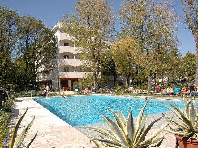 Lignano Sabbiadoro - Hotel La Pergola Dependance *** - zwembad