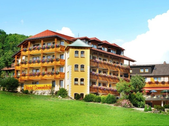 Bad Staffelstein - Hotel Sonnenblick *** - aanzicht