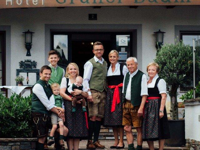 St. Georgen im Attergau - Hotel Grüner Baum *** - aanzicht