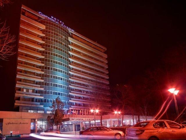 Arad - Hotel Continental Forum - aanzicht hotel