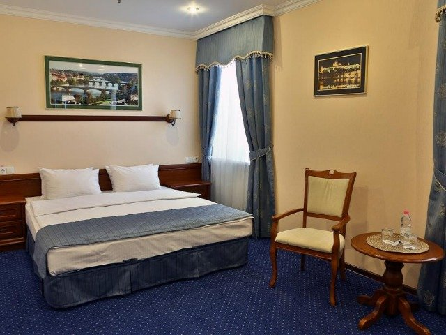 Rivne - Hotel Ukraine **** - voorbeeldkamer