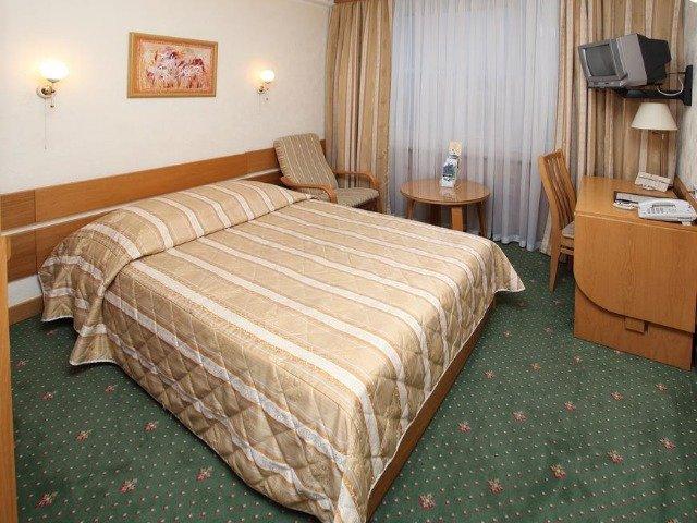 Kiev - Hotel Rus*** - voorbeeldkamer
