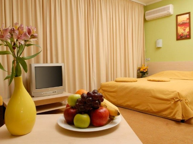 Kamyanets Podilskiy - Hotel 7 Days - voorbeeldkamer