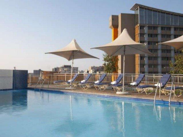 Zuid-Afrika - Pretoria - Hotel Holiday Inn Express Pretoria Sunnypark - zwembad