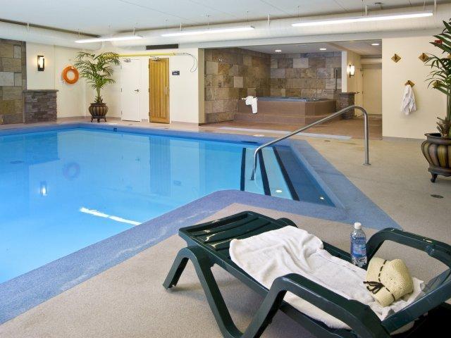 Jasper - hotel Lobstick Lodge *** - zwembad