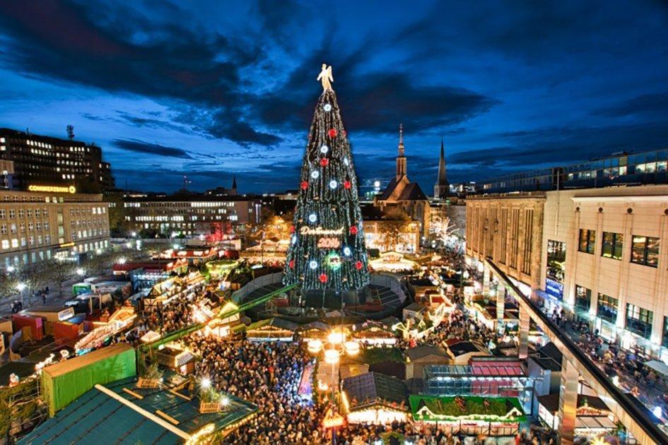 Dortmund - Hanzaplatz grootste kerstboom ter wereld