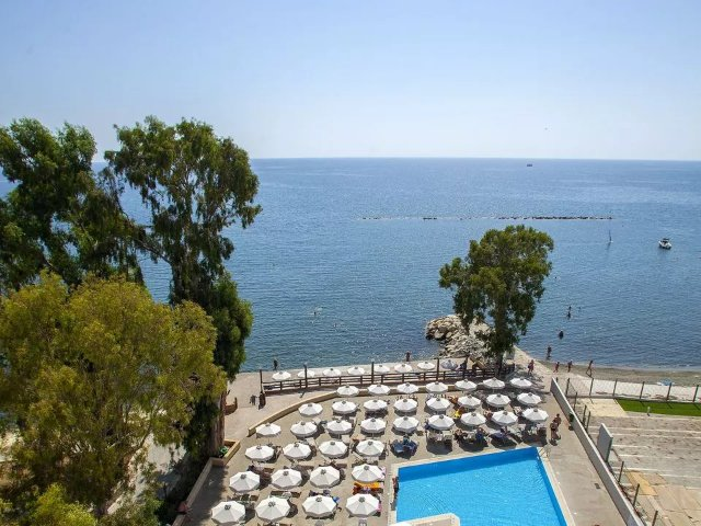 Limassol - Hotel Harmony Bay - zwembad en uitzicht