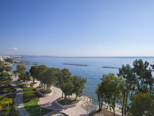 Limassol - Hotel Harmony Bay - uitzicht vanaf balkon