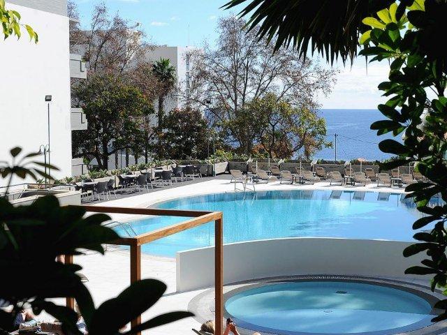 Madeira - Funchal - Hotel Girassol - zwembad