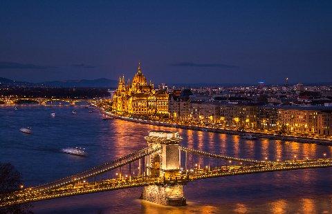 Budapest - Parlementsgebouw aan de Donau