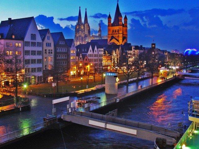 Keulen - Stadsaanzicht vanaf Rijn
