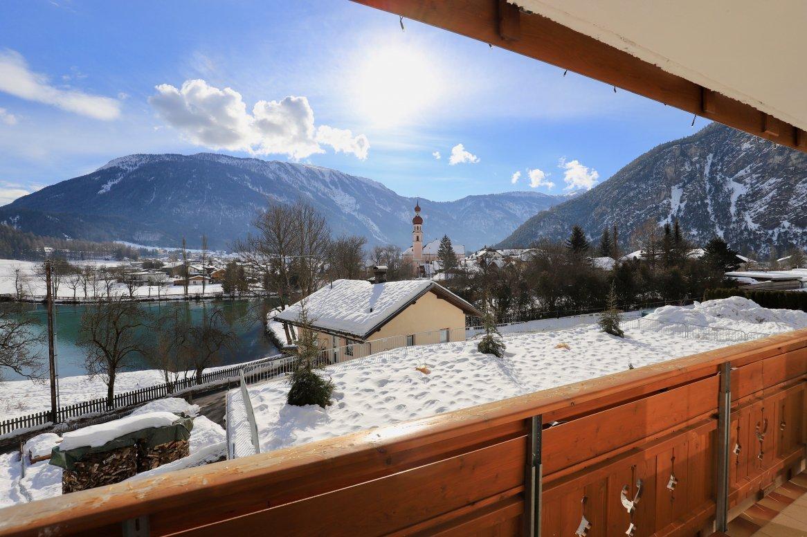 Nassereith - Uitzicht vanaf balkon hotel