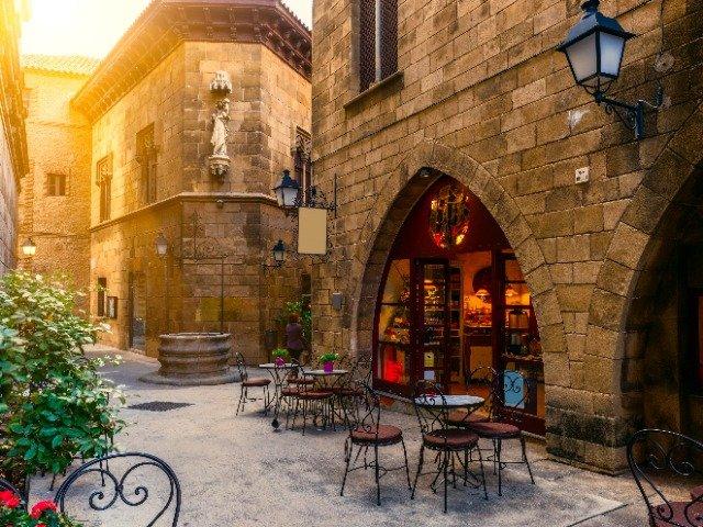 Spanje - Klassiek straatje in Barcelona