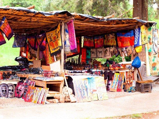 Zuid-Afrika - Handgemaakte souvenirs op een lokale markt