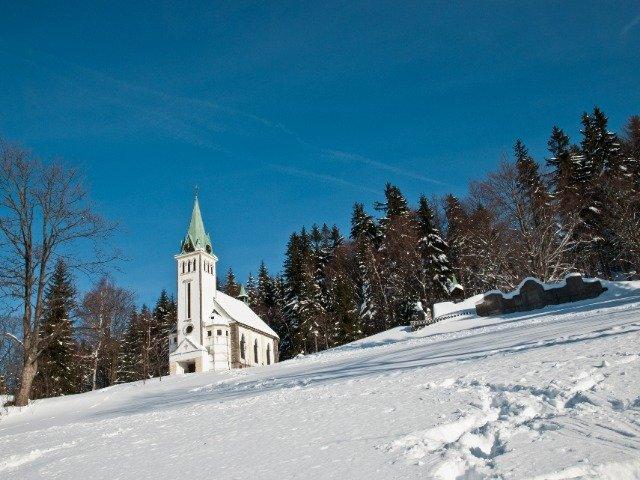 Tsjechië - Een kerkje bij Bedrichov