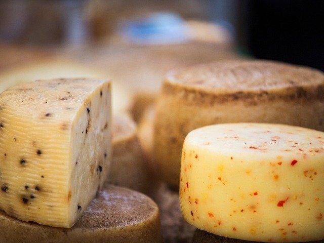Kaas bij een kaasboerderij