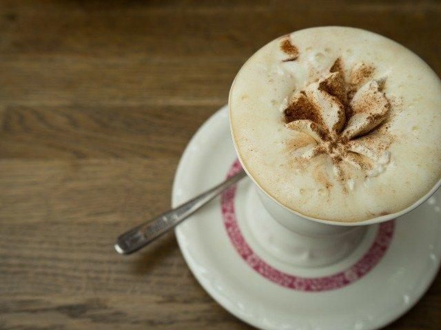 Duitsland - Rüdesheimer koffie, een combi van Asbach Uralt (distillaat uit Rüdesheim), Irish en French coffee
