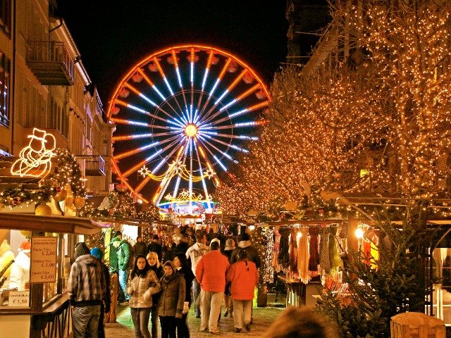 Duitsland - Kerstmarkt in Schwerin