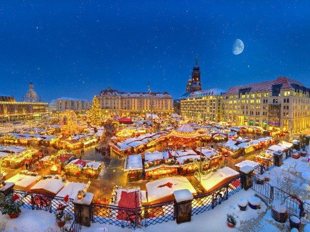 Dresden - Kerstmarkt op de Striezelmarkt in Dresden