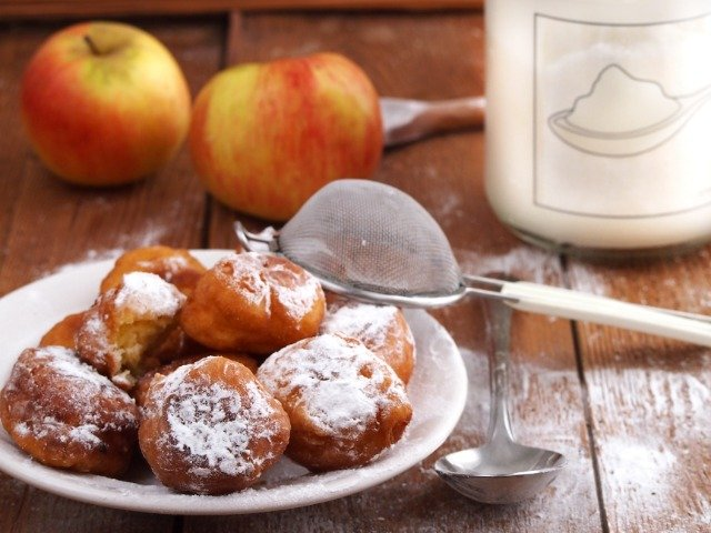 Kroatië - Fritule, gefrituurde vanille deegballetjes