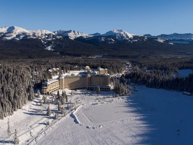 Lake Louise - Fairmont Chateau Lake Louise**** - aanzicht