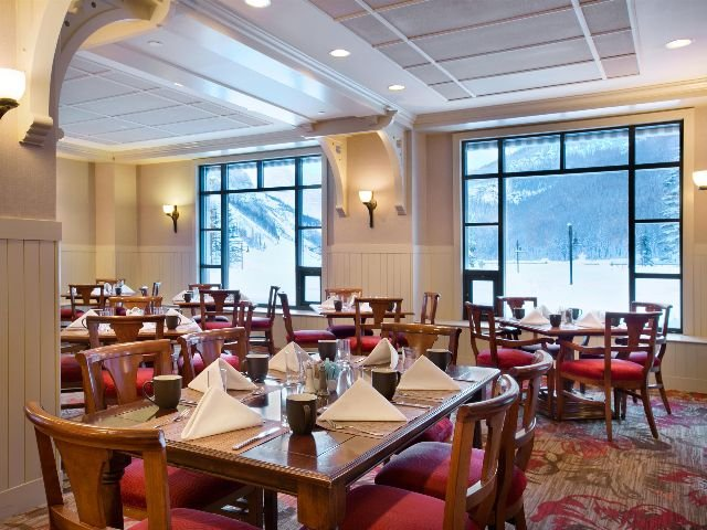 Lake Louise - Fairmont Chateau Lake Louise**** - The Poppy Brasserie