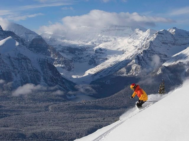 Lake Louise ©Chris Moseley