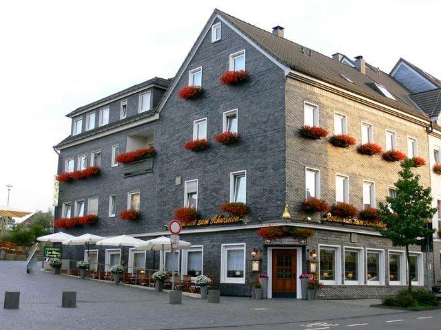 Duitsland - Wermelskirchen - Hotel Zum Schwanen - exterieur