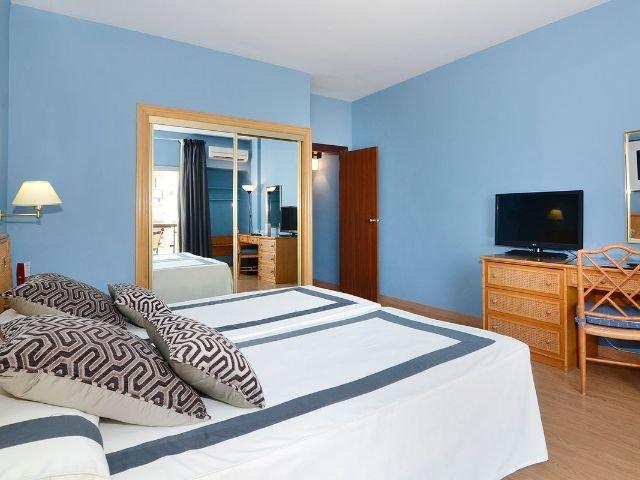 Fuengirola - Hotel Las Piramides - 2-persoonskamer met balkon