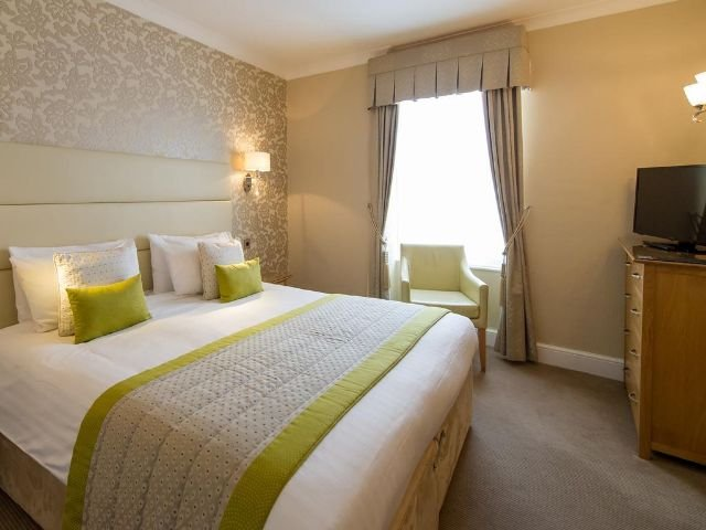 Barnstaple - The Royal & Fortescue Hotel -