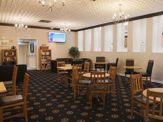 Gravesend - Inn On The Lake - restaurant