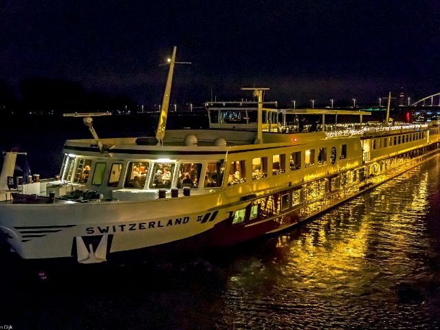 MS Switserland II_exterieur_avond